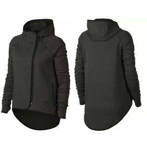 Nike Tech Fleece Women's Full-Zip Cape Jacket 1X